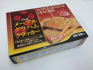 ふわぁっと、香ばしい甘さでおやつタイムの常連になりそう!前田製菓 メープルグラハムクラッカー