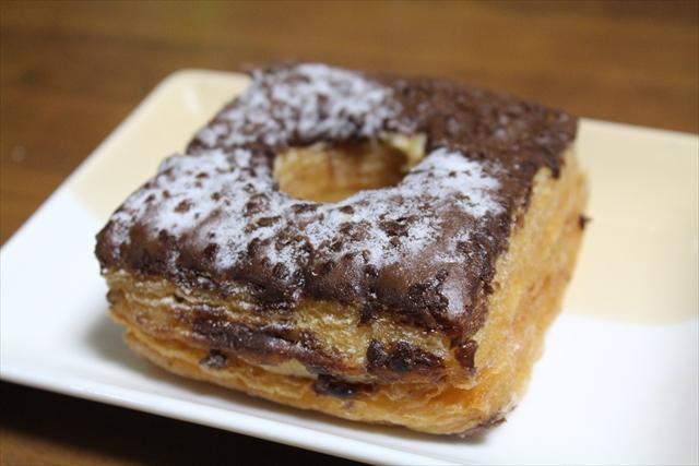 ヤマザキ ドーワッツ チョコ&クランチ お皿のせ_R2